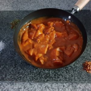 Oven Ready Sweet Chilli Chicken in Tomato & Herb Sauce